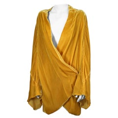Art Deco Yellow Silk Velvet Dressing Jacket