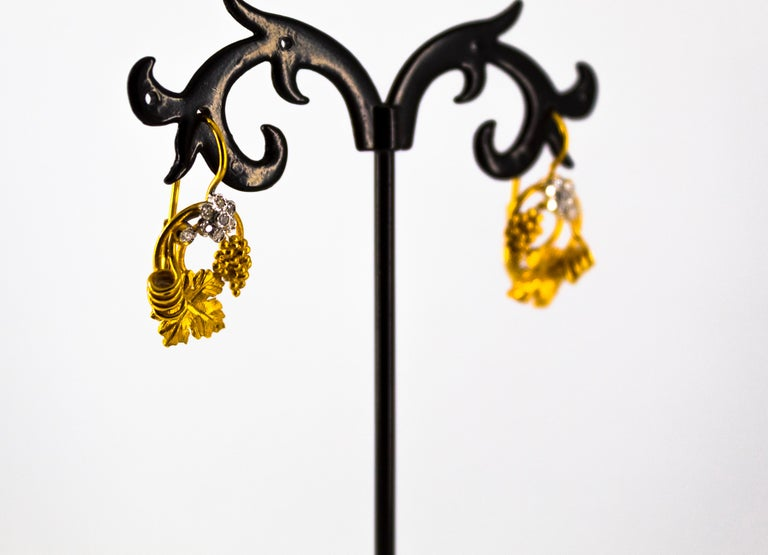 Art Nouveau 0.18 Carat White Diamond Yellow Gold Flower Lever Back Earrings For Sale 2