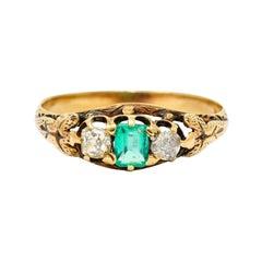 Art Nouveau 0.47 Carat Emerald Diamond 14 Karat Gold Foliate Band Ring