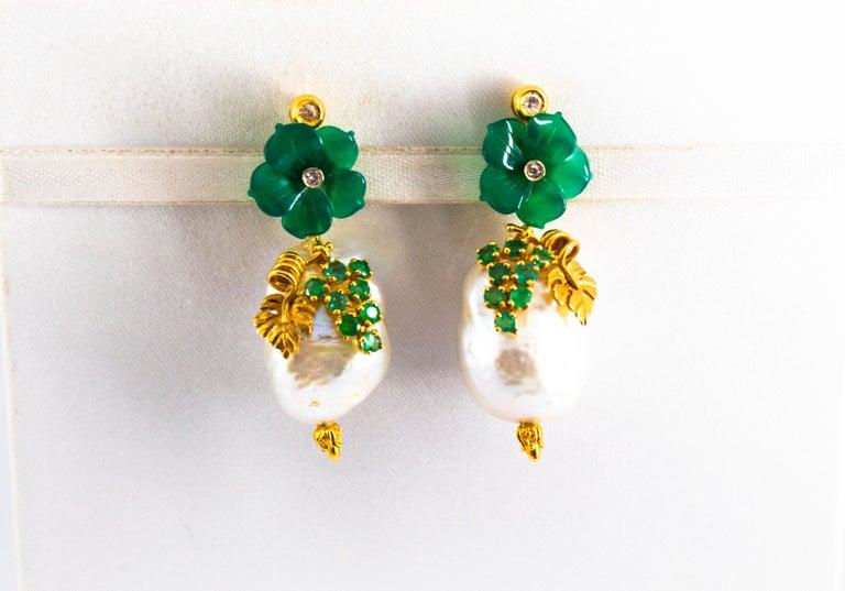 Art Nouveau 1.02 Carat White Diamond Emerald Agate Yellow Gold Flowers Earrings For Sale 1