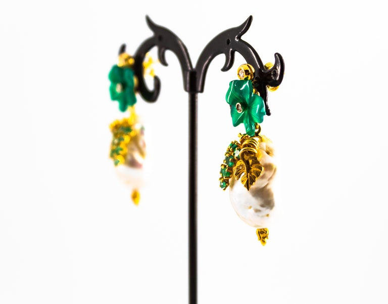 Art Nouveau 1.02 Carat White Diamond Emerald Agate Yellow Gold Flowers Earrings For Sale 2