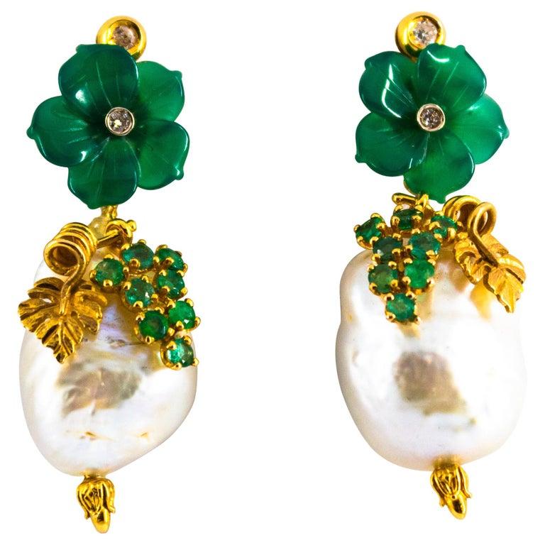 Art Nouveau 1.02 Carat White Diamond Emerald Agate Yellow Gold Flowers Earrings For Sale
