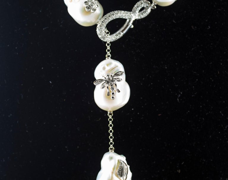 Art Nouveau 1.75 Carat White Diamond Pearl White Gold Beaded Drop Necklace For Sale 1