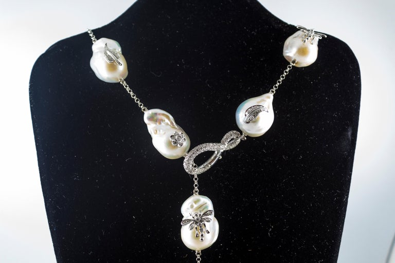 Art Nouveau 1.75 Carat White Diamond Pearl White Gold Beaded Drop Necklace For Sale 4