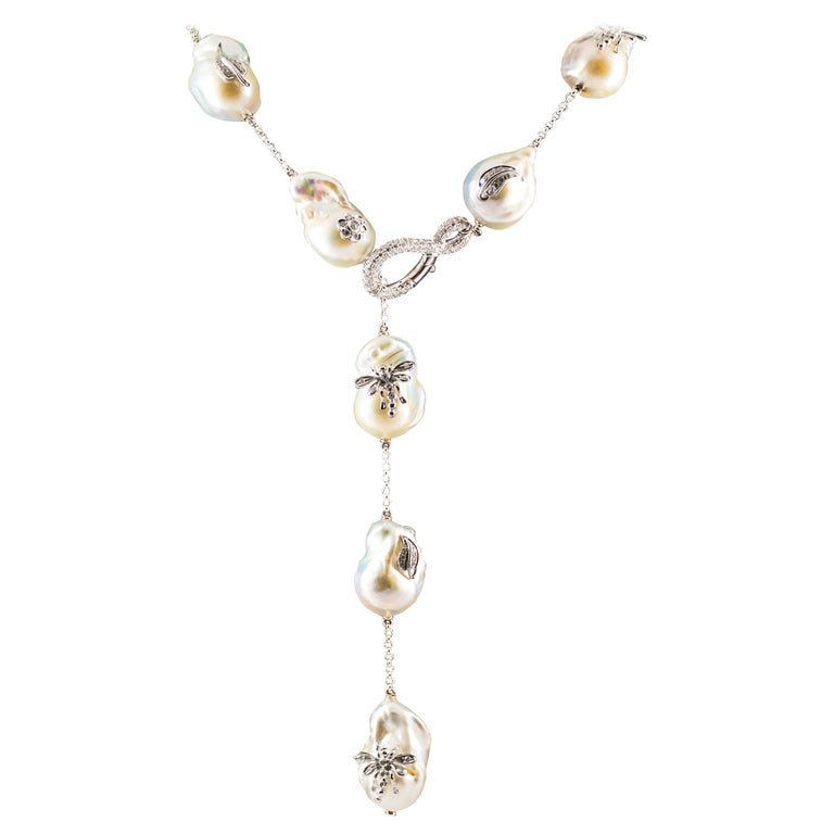 Art Nouveau 1.75 Carat White Diamond Pearl White Gold Beaded Drop Necklace For Sale