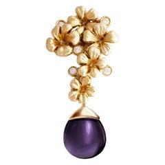Art Nouveau 18 Karat Yellow Gold Blossom Necklace Pendant with Diamonds