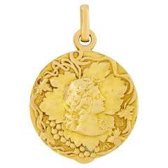 Art Nouveau 18ct Gold Lady Locket Pendant, c.1910s