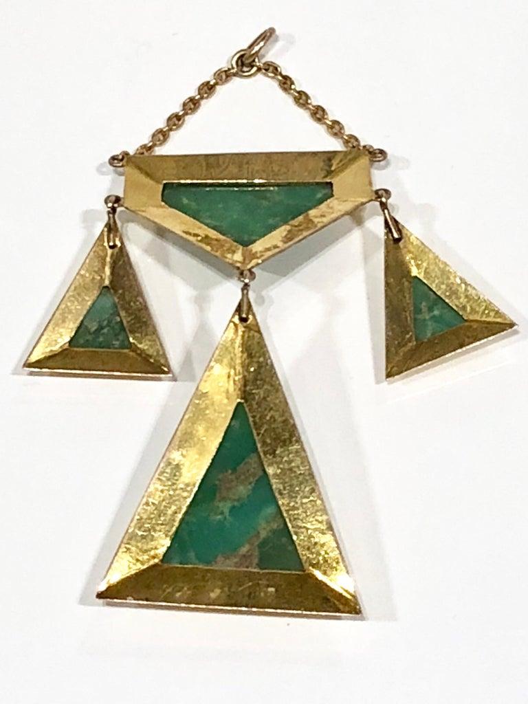 Art Nouveau Jade pendant set in 18k gold, ca 1940s