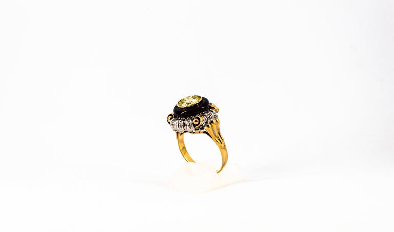Art Nouveau 1.99 Carat White Diamond Onyx Yellow Gold Cocktail Ring In New Condition For Sale In Naples, IT