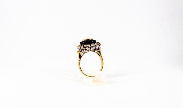 Art Nouveau 1.99 Carat White Diamond Onyx Yellow Gold Cocktail Ring For Sale 1