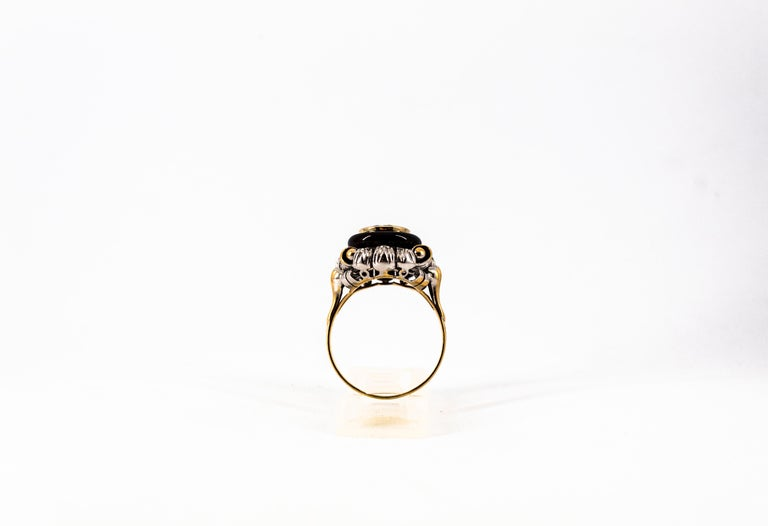 Art Nouveau 1.99 Carat White Diamond Onyx Yellow Gold Cocktail Ring For Sale 2