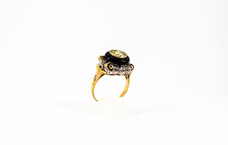 Art Nouveau 1.99 Carat White Diamond Onyx Yellow Gold Cocktail Ring For Sale 4