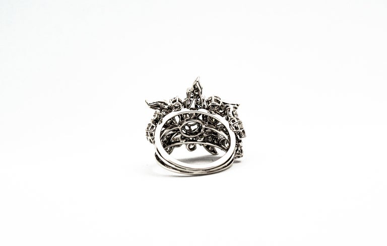 Art Nouveau 2.25 Carat Modern Round Cut Diamond White Gold Cocktail Flower Ring In New Condition For Sale In Naples, IT