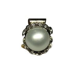 Art Nouveau 25.22 Carat Pearl White Diamond 14 Karat Yellow Gold Ring