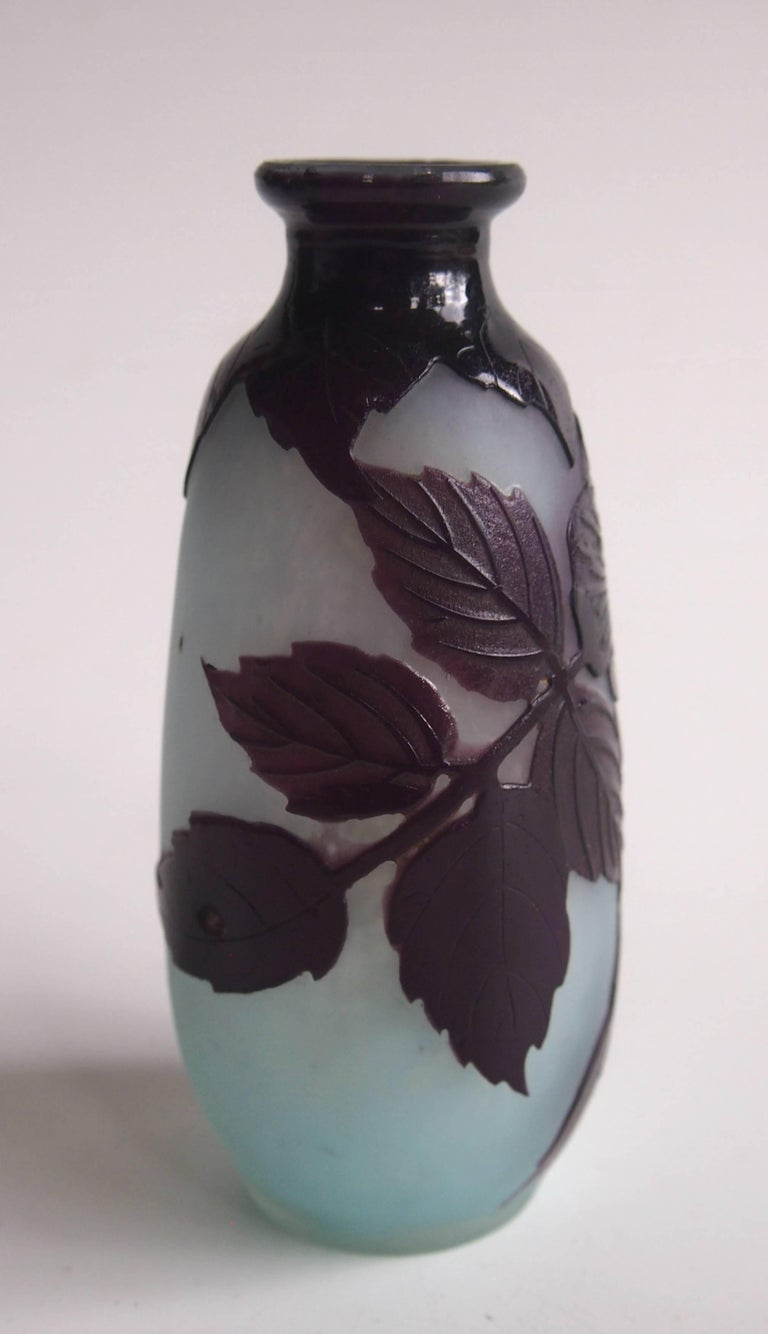 Early 20th Century French Art Nouveau Andre Delatte Cameo Glass Vase For Sale