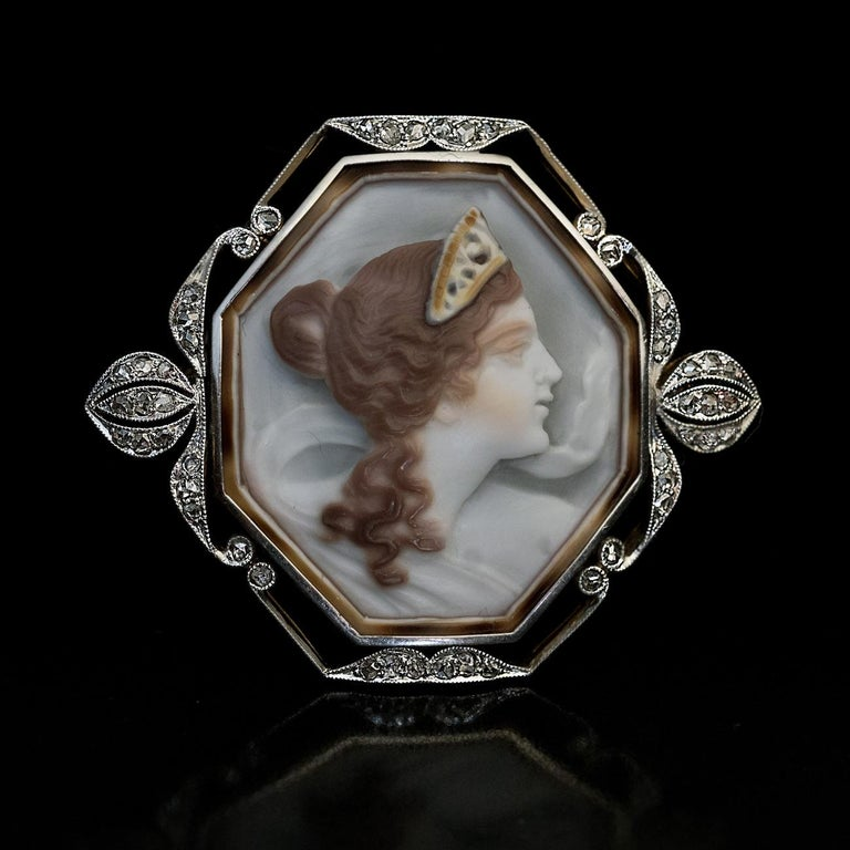 Art Nouveau Antique Shell Cameo Diamond Platinum Gold Brooch In Excellent Condition For Sale In Chicago, IL