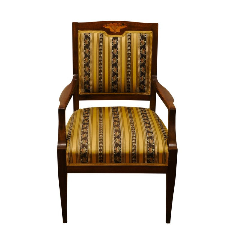 These tall and handsome chairs feature a stylized inlay in the top splat. Constructed of Mahogany, they are fully sprung and webbed at a medium softness level.