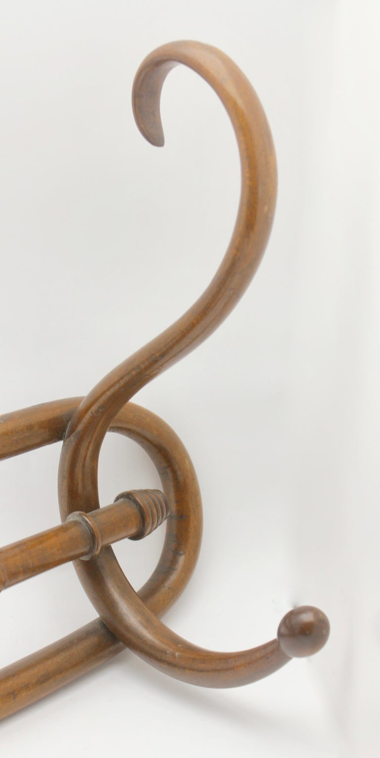 Art Nouveau Bentwood Wall Coat Rack by Thonet, Vienna, 1910s For Sale 1