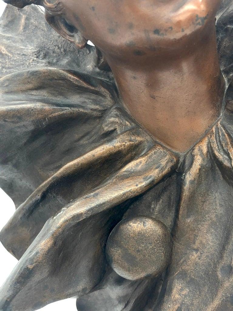 Art Nouveau Bust of a Pierrette Female Pierrot For Sale 4