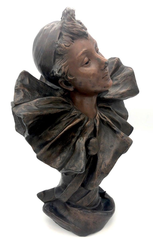 Art Nouveau Bust of a Pierrette Female Pierrot For Sale 1
