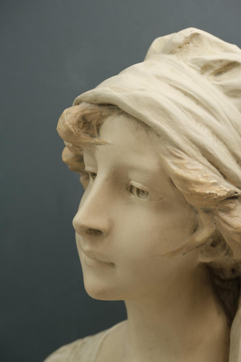 Art Nouveau Bust Young Girl France In Good Condition For Sale In Den Haag, NL