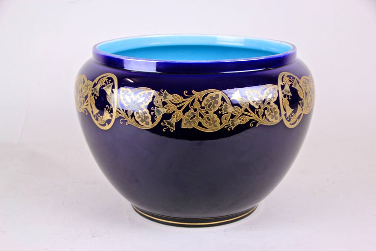 Art Nouveau Cachepot by Sarreguemines, France, circa 1915 In Good Condition For Sale In Linz , AT