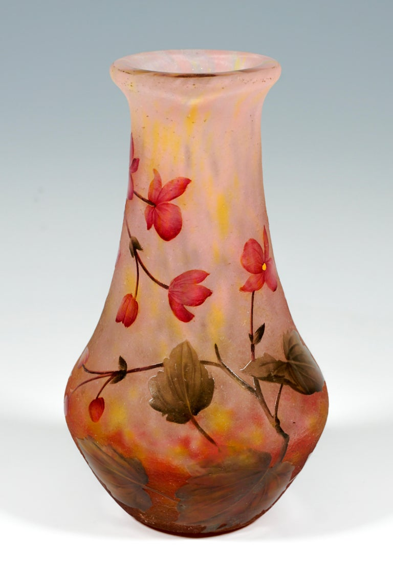 Etched Art Nouveau Cameo Vase with Rose Colored Flowers, Daum Nancy, France, 1910/15 For Sale