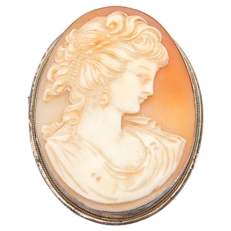 Shell Cameo Silver Oval Pendant Brooch For Sale