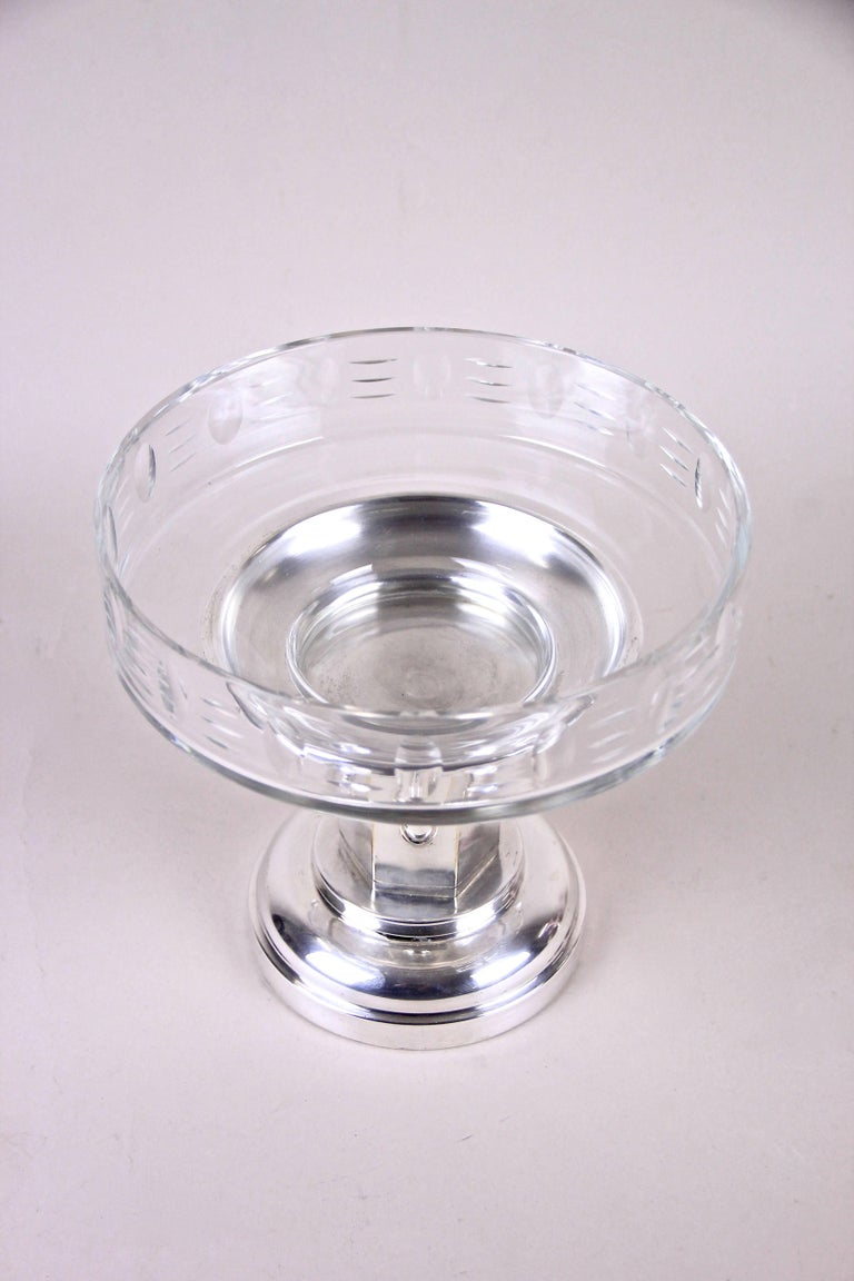 Art Nouveau Centrepiece Glass Bowl, Austria, circa 1915 In Good Condition For Sale In Lichtenberg, AT