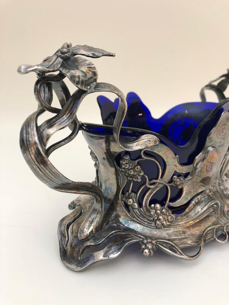 Art Nouveau Centrepiece In Good Condition For Sale In New York, NY