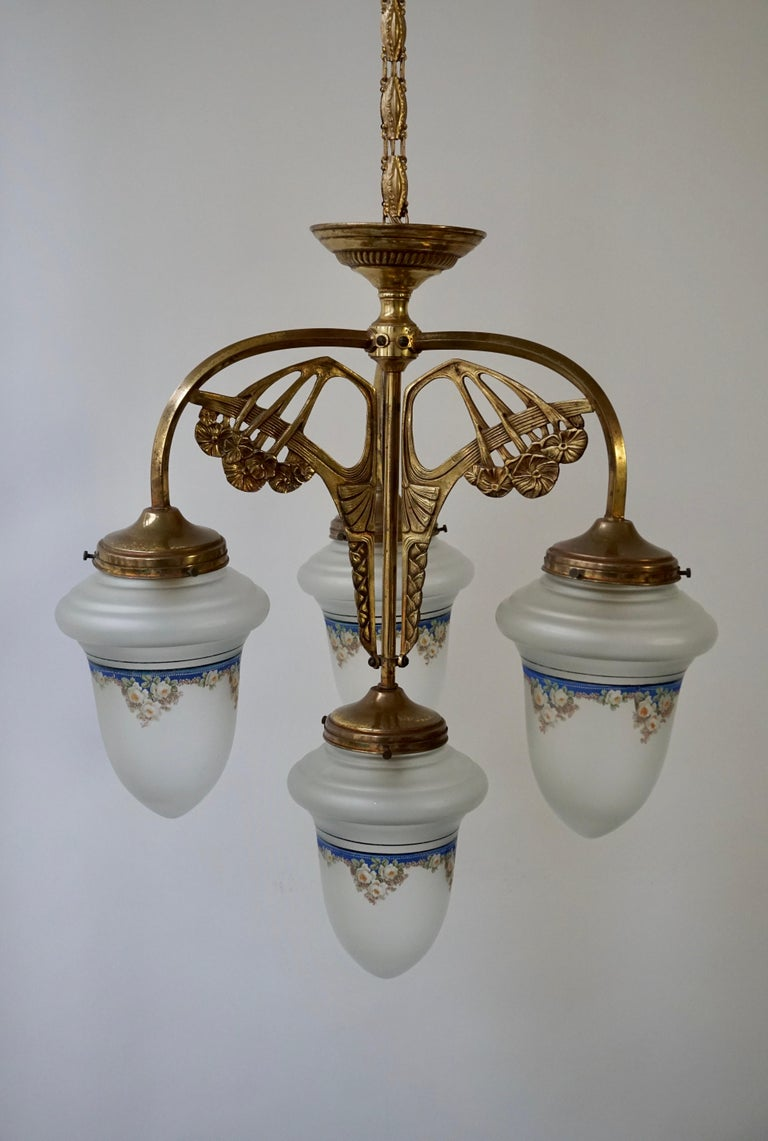 Art Nouveau Chandelier in Painted Glass and Brass For Sale 4