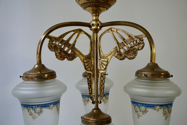 Art Nouveau Chandelier in Painted Glass and Brass For Sale 5