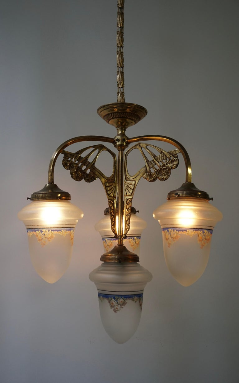 Art Nouveau Chandelier in Painted Glass and Brass For Sale 6