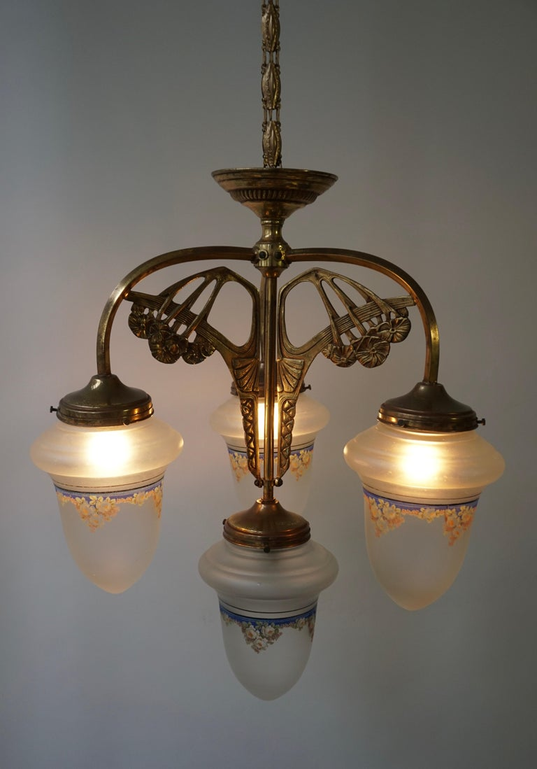 Art Nouveau Chandelier in Painted Glass and Brass For Sale 7