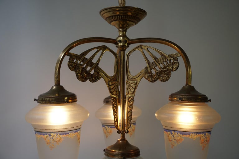 Art Nouveau Chandelier in Painted Glass and Brass For Sale 8