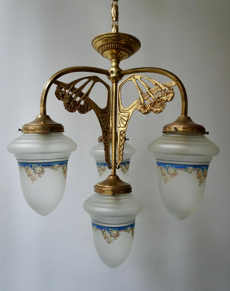 Art Nouveau Chandelier in Painted Glass and Brass In Good Condition For Sale In Antwerp, BE