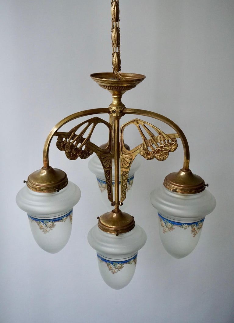 Art Nouveau Chandelier in Painted Glass and Brass For Sale 1
