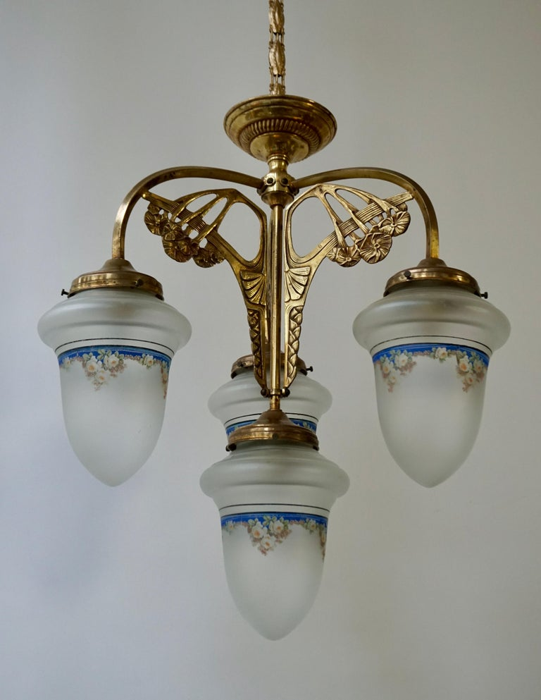Art Nouveau Chandelier in Painted Glass and Brass For Sale 2