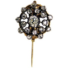 Art Nouveau Cluster Brooch Gold 585 Diamonds 2.30 Carat Vienna, 1900