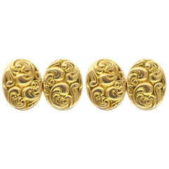 Art Nouveau Cufflinks in 18 Carat Gold with a Scroll Design, English, circa 1890