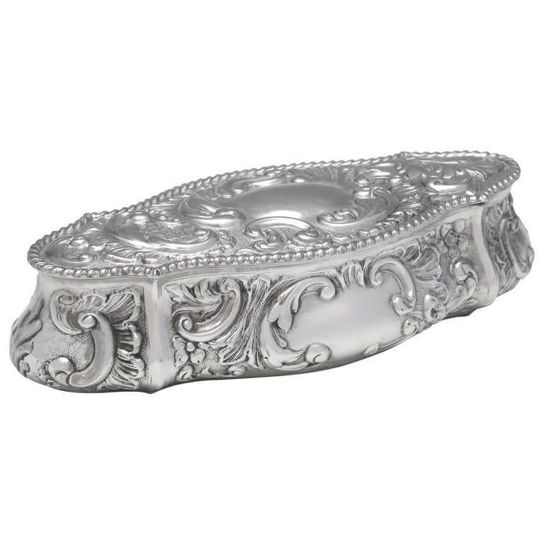 Art Nouveau Edwardian Antique Sterling Silver Trinket Box from Chester, 1904