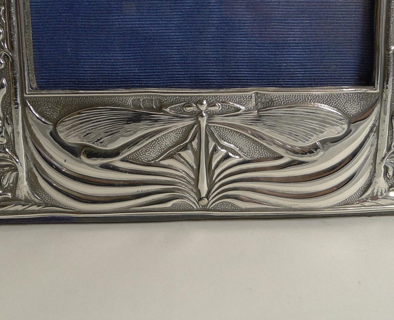 Art Nouveau English Sterling Silver Photograph Frame, Dragonfly, 1903 In Good Condition For Sale In London, GB