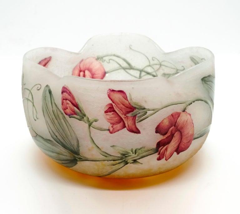 Etched Art Nouveau Flower Bowl with Sweet Pea Decor, Daum Nancy, France, 1900-1905 For Sale