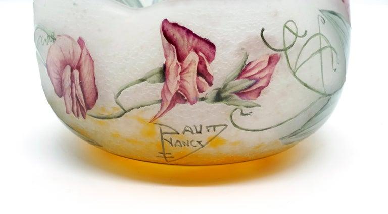 Early 20th Century Art Nouveau Flower Bowl with Sweet Pea Decor, Daum Nancy, France, 1900-1905 For Sale