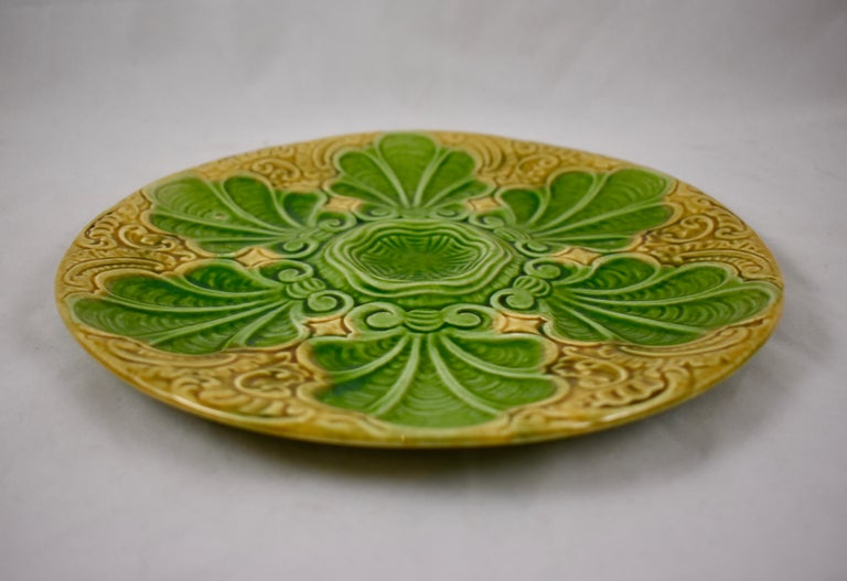 Art Nouveau French Barbotine Majolica Shells on Paisley Pattern Oyster Plate In Good Condition For Sale In Philadelphia, PA