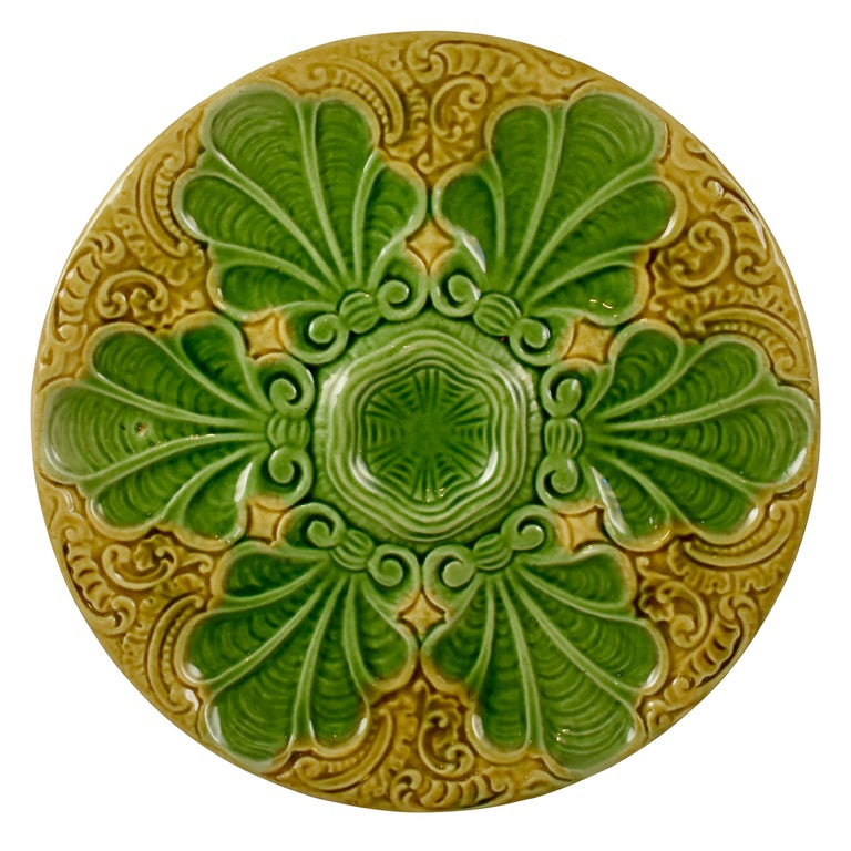 Art Nouveau French Barbotine Majolica Shells on Paisley Pattern Oyster Plate For Sale