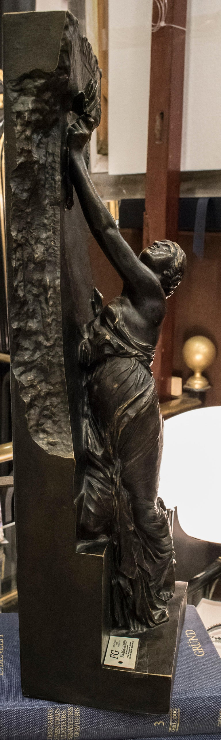 Art Nouveau French Bronze Female Sculpture, circa 1910 For Sale 5