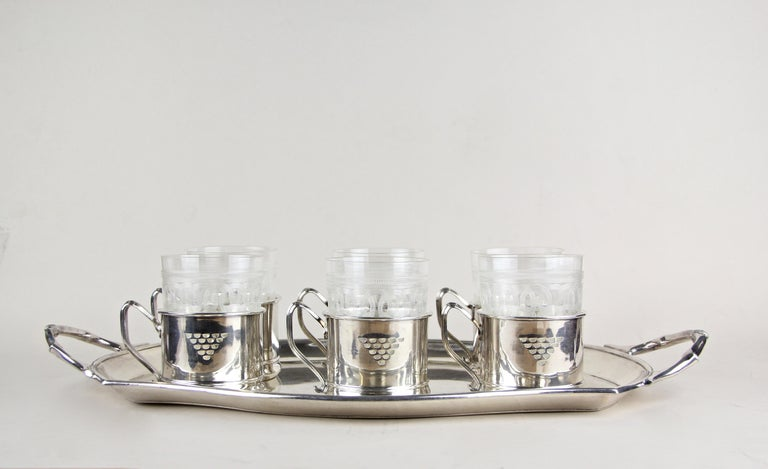 Art Nouveau Glasses on Silvered Tray by Argentor, Vienna, circa 1910 For Sale 8