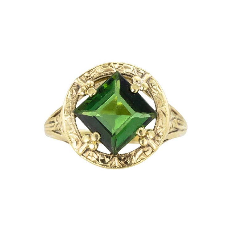 Art Nouveau Green Tourmaline Yellow Gold Ring In Good Condition In Los Angeles, CA