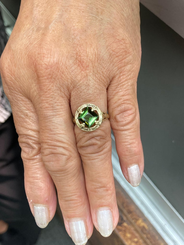 Art Nouveau Green Tourmaline Yellow Gold Ring 3